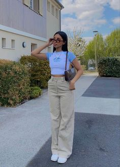 Tumblr Outfits, Indie Outfits, Teen Fashion Outfits, Retro Outfits, Look Fashion, Vintage Outfits, Outfits For Girls, Swaggy Outfits, Cute Casual Outfits