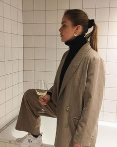 Top fashion trends in winter 2019 Fashion Week, Look Fashion, Fashion Outfits, Womens Fashion, Fashion Trends, Editorial Fashion, Fashion Ideas, Classy Outfit, Outfits Winter