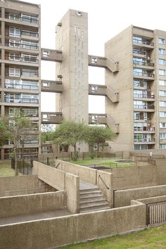 A friendly place to discover and appreciate brutalist buildings and architecture. Share photos, read articles, and discuss. London Architecture, Contemporary Architecture, Art And Architecture, Brutalist Buildings, Modern Buildings, Brutalist Design, Council Estate, Modernisme, Tower Block