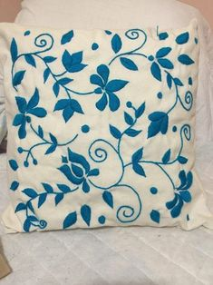 Idea for Punch Needle Mexican Embroidery, Hand Work Embroidery, Crewel Embroidery, Hand Embroidery Patterns, Embroidery Designs, Embroidered Cushions, Embroidered Pillowcases, Floral Throw Pillows, Image Search