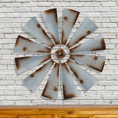 Bring a little farmhouse style into your home's décor by featuring the American Mercantile Metal Windmill Wall Decor . This wall sculpture. Silver Wall Decor, Silver Walls, Wooden Wall Decor, Rustic Wall Decor, Farmhouse Wall Art, Farmhouse Decor, Vintage Farmhouse, Farmhouse Style, Aspen