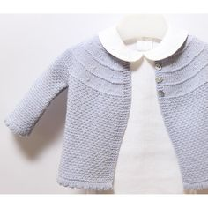 Baby Jacket / Knitting Pattern Instructions / PDF Instant Download3 Sizes : 3 / 6 and 9 monthsMaterials :100 % Merino woolBlue : 2 / 2 / 3 ballsN° 3,25 mm (US 3 / UK 10) knitting needlesStitch Holder4 / 4 / 4 buttonsGauge : Using 3,25 mm needles, 28 sts. x 36 rows. = 10 cm over stocking stitch. Approx finished measurements :Length at centre back :30 / 32 / 34 cmLength of sleeve seam :12,5 / 12,5 / 14 cm
