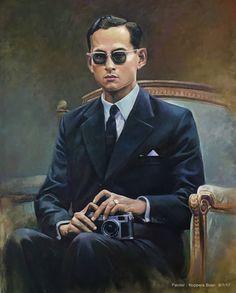 """""""ทรงฉายภาพราษฎร ของพระองค์"""" Painter by Noppera Bosri Oil on canvas 80X100 cm  #king9"""