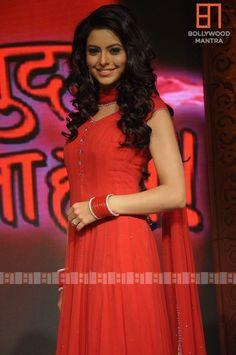 Amna sharif boob show
