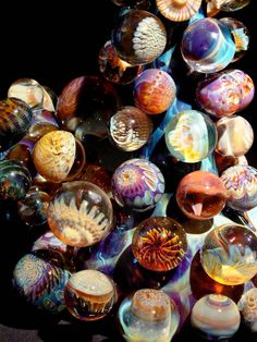 Glass Marbles ~ So pretty Marble Art, Glass Marbles, Glass Paperweights, Glass Ball, Paper Weights, Hand Blown Glass, Belle Photo, Colored Glass, Just In Case