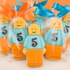 The cutest Lego cookies! Another one of those adorable cookie / cupcake ideas that I wish I had talent for!!!! #LegoDuploParty