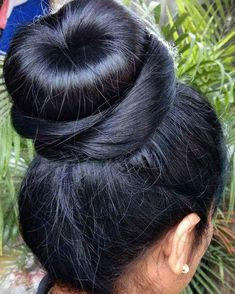 Long Hair Care Basics for Beautiful, Long, Healthy Hair. About Long Hair Care. It's pretty common to hear that in order to grow long hair, you just stop cutting it. Bun Hairstyles For Long Hair, Braids For Long Hair, Eva Hair, Indian Long Hair Braid, Long Hair Models, Super Long Hair, Silky Hair, Beautiful Long Hair, Dark Hair