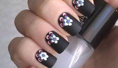 Nail Designs On Black Polish DIY - diy matte nail polish designs - black nails & toothpick flowers Matte Black Nails, Matte Nail Polish, Nail Polish Trends, Gel Nail Art, Gel Nails, Dark Nails, Black Polish, Easy Nail Polish Designs, Sparkle Nail Designs