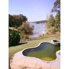 www.vininggrouprealty.com South Carolina Real Estate, North Carolina Real Estate, The Vining Group, Fort Mill, South Carolina, Short Sale, Lake Wylie living, Lakefront property. Courtesy The Vining Group