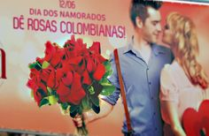 A Mglcom produziu uma lona front light para o Dia dos Namorados da Mariana Flores. A lona foi impressa com tecnologia solvente alta definição, sem emenda. O acabamento foi realizado com reforço e ilhós de alúminio.