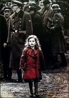 Bouleversante petite fille en rouge de La Liste de Schindler