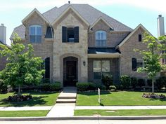 Do you need information of famous Realtors to discover a perfect home in Texas? Salashometeam.com is the right place for you.