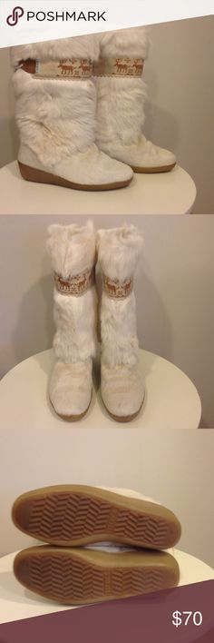 """Technica Furry Apres Ski Boots Goat Hair Fur Sz 37 Great pre-owned condition.  Creamy white goat hair/fur calf-length Apres ski boots with native design band and rubber sole.  Made in Italy Size 37/38, but like most European shoes/boots, the sizing runs small.  Insole measures approximately 9.25"""".          yeti boots Technica Shoes Winter & Rain Boots"""