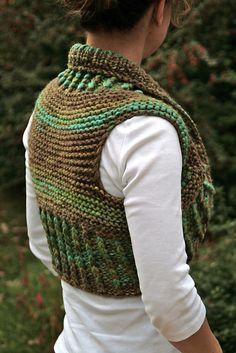 """Ravelry: mintha's Indie Bolero < Ravelry: chunky knitted Shrug in """"Eskimo"""" - free pattern by DROPS design Crochet Bolero, Crochet Jacket, Crochet Poncho, Knitted Shawls, Free Crochet, Knit Crochet, Knitting Patterns Free, Free Knitting, Crochet Patterns"""