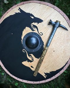 "Gefällt 2,166 Mal, 24 Kommentare - Sköll & Hati Customs (@skoll_and_hati_custom_armory) auf Instagram: ""The Hammer hath dropped. ~Eikthyrnir~ the great stag of Valhalla war hammer is available now!…"""