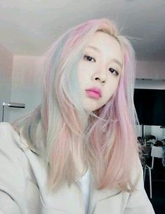 Find images and videos about kpop, kard and jiwoo on We Heart It - the app to get lost in what you love. Kpop Aesthetic, Pink Aesthetic, Taehyung, Kpop Hair, Kpop Fashion, Fashion Outfits, Ulzzang Girl, Pink Hair, Girl Crushes