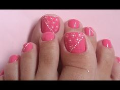 The advantage of the gel is that it allows you to enjoy your French manicure for a long time. There are four different ways to make a French manicure on gel nails. Pedicure Designs, Pedicure Nail Art, Toe Nail Designs, Toe Nail Color, Toe Nail Art, Nail Colors, Pretty Toes, Pretty Nails, Edgy Nail Art