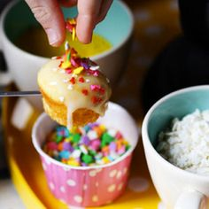 It's okay to admit it: fondue is fun! This recipe for no-heat cupcake fondue is a genius idea for parties – it's both a dessert AND an activity!