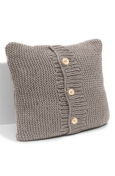 Chunky Knit Accent Pillow - DIY this from thrifted sweaters!
