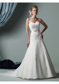 Lace bodice. this shape is perfect.  sweetheart neckline. some lace. sinched at waist. James Clifford j21117