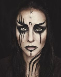 My husband and I are huge fans ⚔️? I love the makeup that is done in that show. did a Viking face chart that I love… My husband and I are huge fans ⚔️? I love the makeup that is done in that show. did a Viking face chart that I love… Dark Fairy Makeup, Fantasy Makeup, Maquillaje Halloween, Halloween Makeup, Funny Halloween, Witch Makeup, Viking Halloween Costume, Vikings Halloween, Creepy Makeup