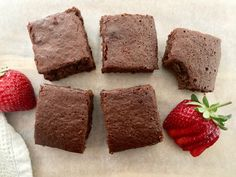 You can have your cake and eat it to with these Super Quick and Easy Chocolate Brownies. A snap to make and only 49 calories per serve. Healthy Mummy Recipes, Healthy Treats, Sweet Recipes, Yummy Treats, Delicious Desserts, Yummy Food, Healthy Food, Healthy Eating, Quick Recipes
