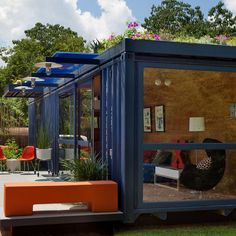 Ashipping container is perfectly sized to serve as a tiny guesthouse, as San Antonio artist Stacey Hill finds.