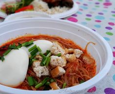 Sadly, MI Hub Cafe at Werribee is closing down end of this year. It is the end of lease and also the property is up for sale. Hopefully they can find a new place soon. It's one of my favorite eatery in Melbourne. Especially when homesick kicks in. All the best, guys.  Food in photo : Mee Siam