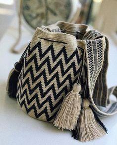 Chevron Black and White Wayuu Bag Marc Jacobs Handbag, Chevron Patterns, Unique Purses, Handmade Handbags, Black Chevron, Tapestry Crochet, Crochet Purses, Small Bags, Hand Knitting