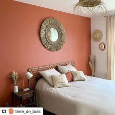 Warm Bedroom Colors, Bedroom Color Schemes, Bedroom Orange, Beautiful Bedrooms, Small Rooms, Home Decor Bedroom, Home Decor Inspiration, Interior Design, Retro Bedrooms