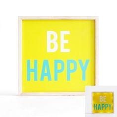 """Donnez un coup de boost à votre décoration grâce à ce cadre lumineux """"be happy"""" ! Avec sa couleur tonique et son design tout particulier, il dynamisera votre intérieur pour le plus grand plaisir de vos enfants !Désormais que la bonne humeur règne ! Ce panneaux lumineux est muni de LED et fonctionne à l'aide de piles.  Dimensions : 24 x 3 x 24 cm"""