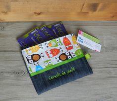Étui familial pour carnets de santé, étui plusieurs carnet santé, protège plusieurs carnet de santé, protège carnets familial, hiboux, vert de la boutique PetitHerissonM sur Etsy