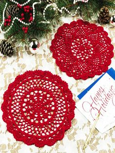 Small Red Doilies free pattern (could make them in green as well)