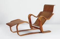 Marcel Breuer, Long chair, ca, 1935, Bent birch plywood. Manufactured by Isokon Furniture Company Ltd., UK.