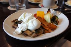 Brunch at Le Select Bistro in Toronto