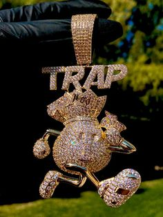 Men& Big Money Bag Trap Pendant fits upto Miami Cuban Gold LayeredIce Trap NecklaceCZ Diamonds pendant Very Shinny by lifetmejewelry Rapper Jewelry, Hip Hop Bling, Gold Chains For Men, Hip Hop Art, Heart Choker, Flower Skull, Cute Jewelry, Luxury Jewelry, Big Money