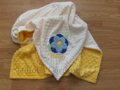 Personalize Minky Baby Blanket - Flower Applique - Choice of Colors by LullabyGardens on Etsy