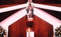La hermosa imagen en el Altar Mayor