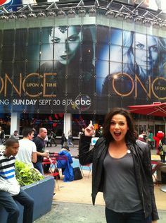 Lana Parrilla | She's does such a great job as Regina Mills/The Evil Queen in Once Upon A Time