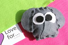 Pin by felt 6,00  www.lovefor.gr