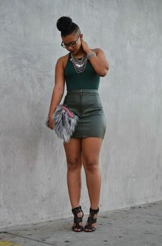 black women curves line Thick Girl Fashion, Curvy Women Fashion, Womens Fashion, Trendy Fashion, Hips And Curves, Street Style Edgy, Beautiful Black Women, Sexy Women, Cute Outfits