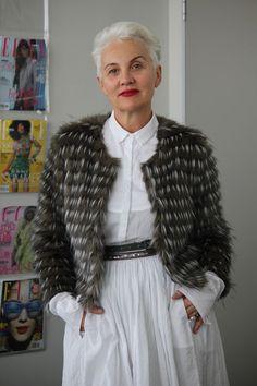 Jackie Burger, redakteur van Elle en Suid-Afrikaanse stylikoon jackie burger, jacki burger