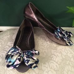 libby. edelman flats libby. edelman flats. Peep toe with multicolor now accent. Shoe is a gunmetal color. No scuffs & only sign of wear is on the soles! libby. edelman Shoes Flats & Loafers