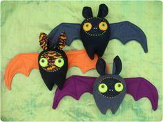 DIY Tutorial: Halloween Bat Plushie!