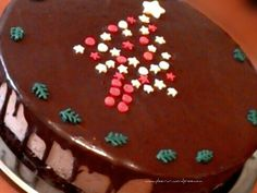 Tort profiterol Birthday Cake, Ice Cream, Desserts, Food, No Churn Ice Cream, Tailgate Desserts, Deserts, Birthday Cakes, Icecream Craft