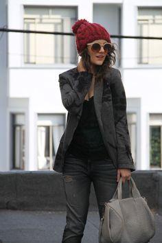 Te recomendamos regalar un sombrero como este para mujeres fashionistas pro  menos de 20€. 0c5f6e6aa2c