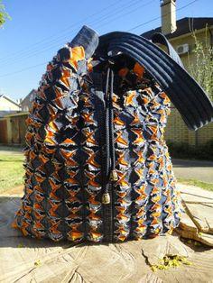 сумка джинсовая. Синель Chenille Quilt, Rag Quilt, Textiles, Needle Felting Tutorials, Sewing Aprons, Sewing Art, Recycled Denim, Denim Bag, Fabric Bags