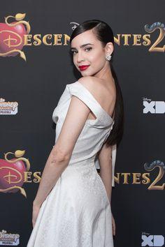 Descendientes | Disney Channel Latinoamérica Austin And Ally, Sabrina Carpenter, Karan Brar, Sophia Carson, Disney Actresses, Prince Héritier, Celebrity Hairstyles, Beautiful Celebrities, Celebrity Crush