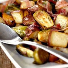 Roasted Potatoes and Brussel Sprouts with Bacon -- pretty decent, although somehow the potatoes tasted more seasoned than the sprouts. Put the sprouts in the liquid first and/or cut into smaller pieces maybe? Roasted Potato Recipes, Bacon Recipes, Roasted Potatoes, Side Dish Recipes, Vegetable Recipes, Dinner Recipes, Cooking Recipes, Healthy Recipes, Roasted Sprouts