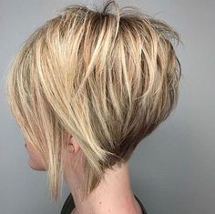 Short Graduated Bob Hair 2019 Trendfrisuren Chad, akkurater Mittelscheitel oder People from france Reduce Graduated Bob Hairstyles, Short Hairstyles For Thick Hair, Layered Bob Hairstyles, Hairstyles 2018, Short Graduated Bob, Graduated Hair, Stacked Haircuts, Wedding Hairstyles, Medium Hair Styles